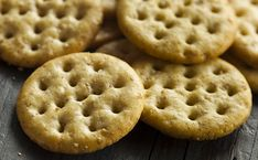 Crackers au fromage (biscuits Monaco maison) - WeCook
