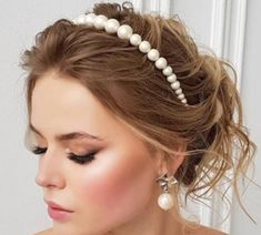 Items similar to Bride Pearl headband / Alice band / gift for her / Pearl accessories / Bridal headband / bridesmaid headband/bride gifts /wedding gifts on Etsy Bridesmaid Headband, Bride Headband, Pearl Headband, Alice Band, Secondary Color, Bride Gifts, Bridal Accessories, Bobby Pins, Gifts For Her