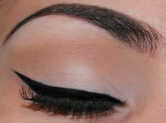 Beauty Makeup Addict: Neutral Makeup Look With A Dramatic Liner Using Wet n Wild Cosmetics