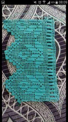 Easiest Crochet Frills Border Ever! Crochet Baby Dress Pattern, Crochet Slipper Pattern, Crochet Lace Edging, Crochet Borders, Crochet Slippers, Filet Crochet, Crochet Doilies, Crochet Stitches, Crochet Home