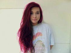 cheveux-couleur-framboise-teinture-tendance-cheveux-longs