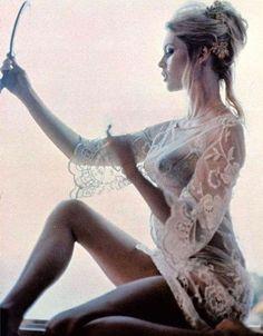 Naked Brigitte Bardot in Miscellaneous < ANCENSORED