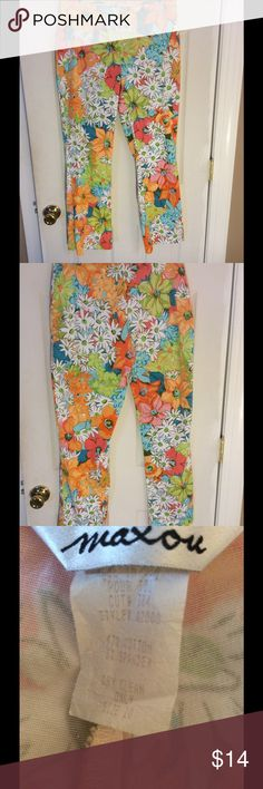 🌴🌴Tropical Style Pants! Sz 10🌴🌴 Just in time for the upcoming warm weather! These adorable tropical print pants are a great addition to any wardrobe. You will look and feel great in them too! Made of 97% cotton and 3% spandex to give the perfect amount of stretch but won't stretch out! Great condition! Waist: across front 15 1/2 in Length: 37 in Inseam: 28 in Rise: front 9 in Maxou Pants Ankle & Cropped