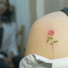 Imagem de tattoo, rose, and flowers                                                                                                                                                     Plus
