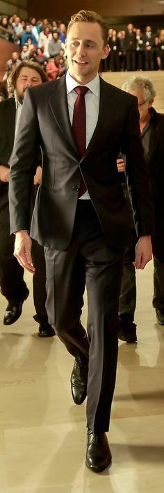 Tom Hiddleston at San Sebastian International Film Festival 2015. (Full size image: http://i.imgbox.com/2RQHZRB3.jpg Source: Torrilla, Weibo)