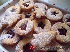 Christmas Brunch, Christmas Sweets, Christmas Cooking, Pastry Recipes, Cookie Recipes, Christmas Finger Foods, Greek Desserts, Jam Tarts, Chocolate Sweets