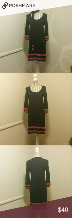 Sale! Lilly Pulitzer Blue Pink Wool Sweater Dress Pre-loved Women's Lilly Pulitzer Navy Blue & Pink 100% Merino Wool Sweater Dress in Size Small. Dress has 3/4 sleeves and comes with a matching scarf. Dress has slight snag on right shoulder and pink dye on tag. See photos. Measurements: Front lenght - 28 inches, Bust - 36 inches, Sleeve - 18 inches, Waist- 34 inches, and Hip - 38 inches. Lilly Pulitzer Dresses Midi