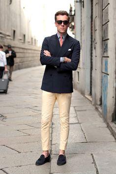 Yellow pants & Hermes tie