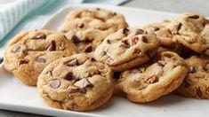 Minion Cupcakes Recipe - BettyCrocker.com Cookie Recipes, Dessert Recipes, Brownie Recipes, Dinner Recipes, Meatloaf Recipes, Fall Desserts, Cupcake Recipes, Brunch Recipes, Cookies Receta