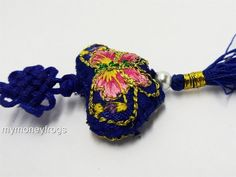 BUTTERFLY Feng Shui Chinese Oriental Lucky Embroidered Hanging Silk Charm Tassel