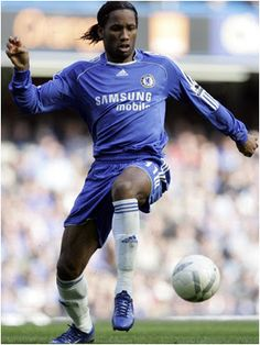 Drogba spends more time diving to the ground than tom daley diving into water! Chelsea Blue, Chelsea Fc, Good Soccer Players, Football Players, World Football, Football Soccer, Tom Daley Diving, Romantic Men, Athletic Supporter