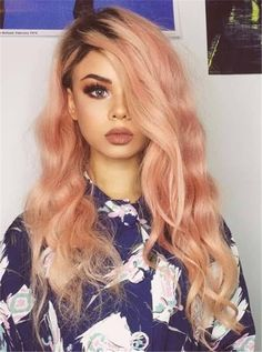 Peach Hair Hottest Hair Color In Spring and Summer Soft and delicate hair color will be more versatile than you think. A suitable trendy hair color not only Ombre Bob Hair, Brown Ombre Hair, Ombre Hair Color, Peach Hair Colors, Hot Hair Colors, Hair Color For Women, Hair Color And Cut, Gold Hair, Pink Hair