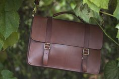 Basader Handmade Classic Messenger Bag with Gusset Review – $400
