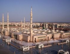 Select a personal tour guide which is specialized in Saudi Arabia: Private Guide https://pg.world/countries/saudi_arabia/guides