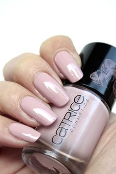 Catrice LE Hollywood's Fabulous 40ties Ultimate Nail Lacquer C04 The Nude Scene en C05 Doris' Darling   iOnTrend
