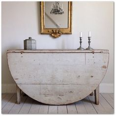 Master Henriks Gustavian Furniture - distressed console table with classic decor elements and gold frame mirror
