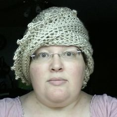 I completed the Lauren crochet beanie crochet beanie hat and bone for a customer. This is how it looks on a real person. Zigzags adorn the edges. Change the look with one turn. I hope you like it. #crochet #strawberrycouture #etsy #thankyou #shopping #gifts #you #me #strawberrycouture1970 #crochetaddict #crocheting #crocheted #crochetlove #crochethat #hat