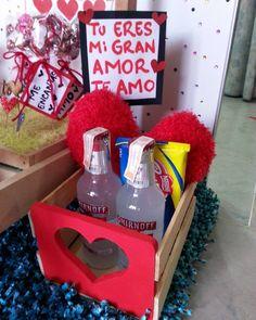 Para ese gran amor que se merece lo mejor ❤❤.. #hechoamano #hechoenvenezuela #detalles#regalos #corazon #cojin #guacal #amor #sanvalentin #tarjetas