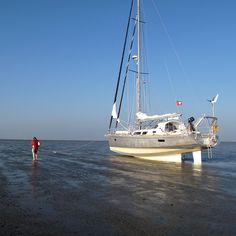 Boreal yachts travel everywhere and we propose you to take a break while discovering our pictures and dreaming of your next trip. Classic Sailing, Classic Yachts, Yacht Design, Boat Design, Sailing Yachts, Sailing Ships, Liveaboard Sailboat, Sailboat Plans, Honfleur