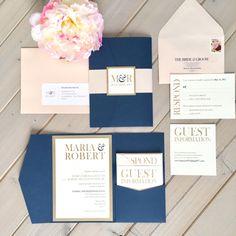 Marina de guerra Blush e invitaciones de boda de oro