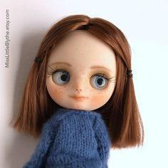 Un preferito personale dal mio negozio Etsy https://www.etsy.com/it/listing/511916815/ooak-custom-middie-blythe-doll-fake