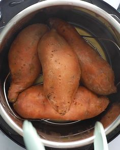 Instant Pot Sweet Potatoes- this recipe shows you how to make the BEST sweet pot. Instant Pot Recipes Pot Sweet Potatoes- this recipe shows you how to make the BEST sweet pot. - Happy Cooking , In Best Instant Pot Recipe, Instant Pot Dinner Recipes, Recipes Dinner, Instant Pot Pressure Cooker, Pressure Cooking, Healthy Pressure Cooker Recipes, Pressure Cooker Sweet Potatoes, Crock Pot Sweet Potatoes, Electric Pressure Cooker