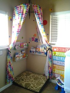 Reading nook for kids Reading Corner Classroom, Reading Nook Kids, Daycare Rooms, Home Daycare, Kids Daycare, Classroom Design, Classroom Decor, Book Corners, Reading Corners