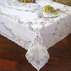 A Great Vinyl Plastic Table Cloth For Any Occasion Clic Crochet Lace Pattern Wipe Clean