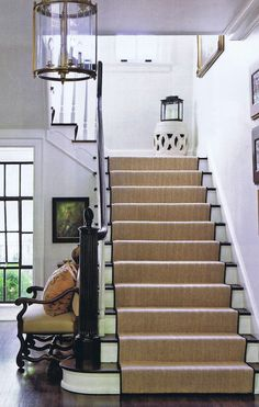 Foyer: Stair runner & stool @ top of stairs Entry Stairs, Entry Hallway, Entryway, Basement Stairs, Design Entrée, House Design, Style At Home, Staircase Runner, White Staircase