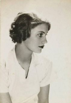"philamuseum: "" COLLECTION CRUSH: Lee Miller More than just a pretty face, Lee Miller was a groundbreaking and versatile artist who proved successful on both sides of the camera. A professional model and later a muse for the Surrealist movement, she..."