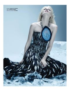 """Caroline Winberg in """"Heart of Glass"""" Photographed By Paco Peregrin & Styled By Harold Jay Melvin For Elle Mexico, January 2011 Fashion Story, Fashion Outfits, Womens Fashion, Fashion Trends, Caroline Winberg, Elle Mexico, Photoshoot Inspiration, Female Models, Editorial Fashion"""