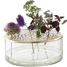 Vår pris 399,-. Tilfør hjemmet ditt en personlig stil med denne lekre vasen. Kategorier: Stue, Til bordet. Isbn 5722009633984