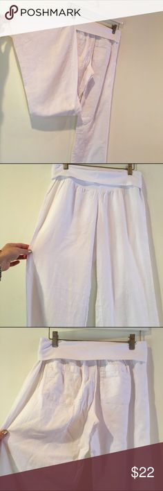 White linen pants Soft, fold over waist band. 2 back pockets. White linen. Size small. Old Navy Pants
