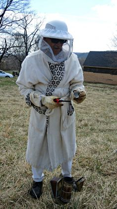 Lots of new beekeepers are entering the field. This one has a crazy suit-a bathrobe! Crazy Suits, Bee Hive Plans, Beekeeping For Beginners, Beekeeping Equipment, Raising Bees, Bee Boxes, Bee Farm, Backyard Beekeeping, Old Things