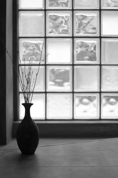 simplicity love: Diamant, Glass Art Gallery & Residence, Japan | Jun Murata Glass Blocks Wall, Glass Wall Art, Stained Glass Art, Art And Architecture, Architecture Details, Glass Art Pictures, Loft Lighting, Glass Brick, Simple Interior