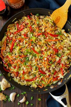 Egg Roll Skillet (AKA Turkey and Cabbage Stir Fry) - Cooking Classy cabbage recipes Shawarma, Asian Recipes, Healthy Recipes, Ethnic Recipes, Healthy Meals, Keto Recipes, Fast Recipes, Delicious Recipes, Healthy Food