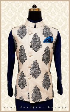 New Mens Fashion Classy Indian Ideas Mens Indian Wear, Mens Ethnic Wear, Indian Groom Wear, Trendy Mens Fashion, Indian Men Fashion, Mens Fashion Wear, Sherwani Groom, Wedding Sherwani, Kurta Men