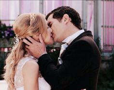 Son Luna, Marry You, Photography Poses, Engagement Photos, Blog, Tv Shows, Couple Photos, Couples, Wedding Dresses