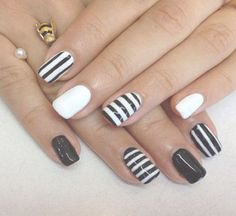 style acrylic nails - http://coolnaildesignsz.com/design-acrylic-nails-2/