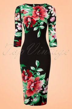Deze kleurrijke60s Aloha Tropical Garden Pencil Dress is niet voor muurbloempjes!  Zon of geen zon, de prachtige neonkleuren stralen je tegemoet zodra je de deur van je kledingkast opentrekt! De snit van deze retro wiggle is met haar 3/4 mouwtjes en hoge halslijn vrij klassiek maar daardoor springt de tropische bloemenprint er nog meer uit. Uitgevoerd in een stretchy zwart stofje met een fijn structuurtje dat je rondingen prachtig omarmt zonder af te tekenen. Aloha pretty mama!...
