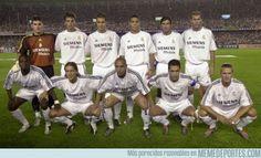 Real Madrid 2003 Casillas Míchel Salgado Hierro Helguera Roberto Carlos Makelélé Solari / Beckham Figo Zidane / Guti Raúl Ronaldo / Morientes