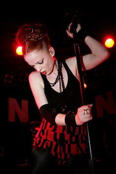 Shirley Manson Style- Copy Shirley Manson's Look