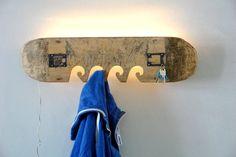 Garderobe aus altem Skateboard // wardrobe, hookboard made out of a skateboard by madeinosnabrueck via DaWanda.com