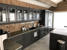 Log Homes, Nook, Sweet Home, Shabby Chic, Kitchen Cabinets, Lounge, House Design, Colours, Interior Design