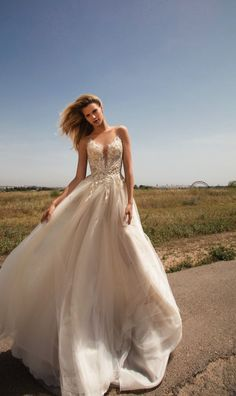 The Gala by Galia Lahav Wedding Dress Collection is known for exquisite, extravagant custom-made haute couture wedding gowns and celebration dresses. Spring 2017 Wedding Dresses, Dream Wedding Dresses, Bridal Dresses, Wedding Gowns, Spring Wedding, Wedding Ceremonies, Wedding Beach, Wedding Bouquets, Bridesmaid Dresses