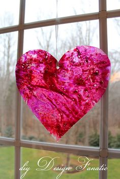 DIY-Wax Paper Crayon Hearts
