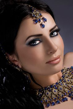#Bridal makeup & jewelry with empahsise on blue, inspired by the #Bride's eye color