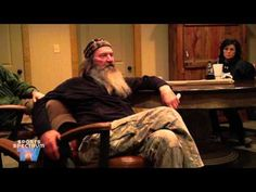 'Spiritual Warfare': Throwback Video Of Duck Dynasty's Phil Robertson Explaining Editors' Attempts To Remove 'Jesus' To Avoid Offending Muslims -- Willie & Phil Robertson talk about fake bleeps and praying in Jesus' name