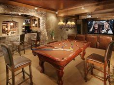 Wet Bar/Pool Table/Entertainment Room.
