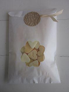 Wedding favor bags --- Gebroken wit papieren zakjes met een bloem venster set van 20 compleet met cellofaan zakjes --- Voor je bruiloft of verjaardagsfeest